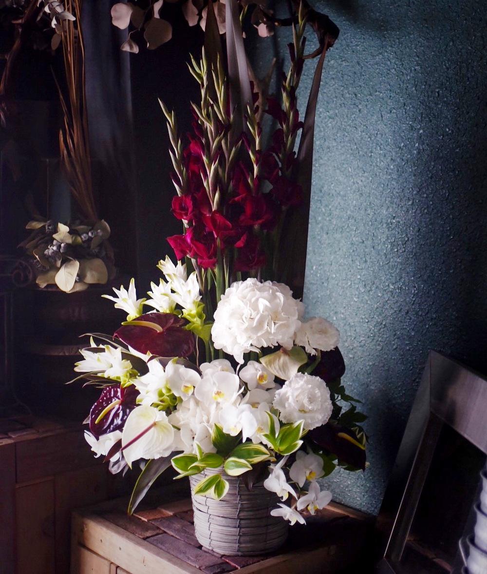 フォーマルだけど新しい、社長就任祝いの祝い花|