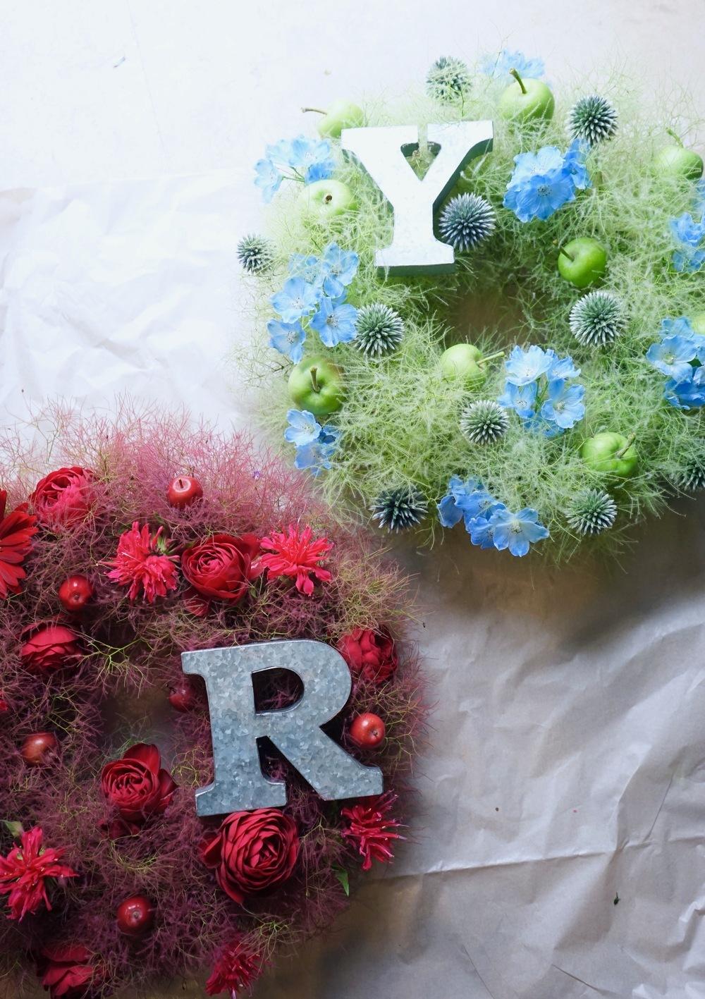 SPACE ODDライブ公演に贈られたロゴ付きリースの祝い花